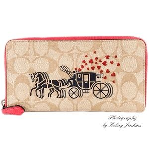 🆕 COACH Horse and Carriage Accordion Zip Wallet